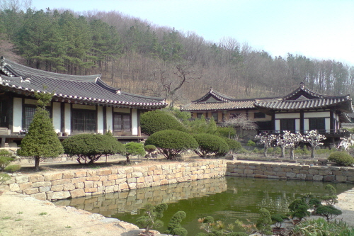 Tapdong (Head Household of the Goseong Yi Clan) (고성이씨탑동종택)