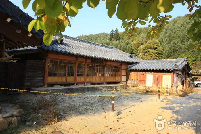 Родной дом Ли Хё Сока (이효석 생가터)11