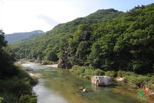 Hwayang Valley (화양구곡 (화양동계곡))