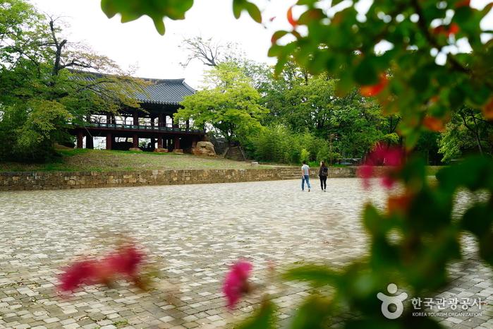 Pavillon Jukseoru in Samcheok (삼척죽서루)