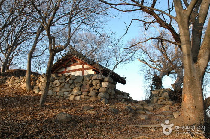 Buyeo Garimseong Fortress (부여 가림성)