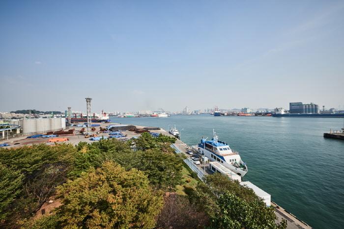 Incheon Port Floodgate (인천항 갑문)