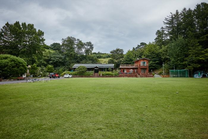 Jangsu Haneullae Deulkkot Village (하늘내들꽃마을 [녹색농촌체험])