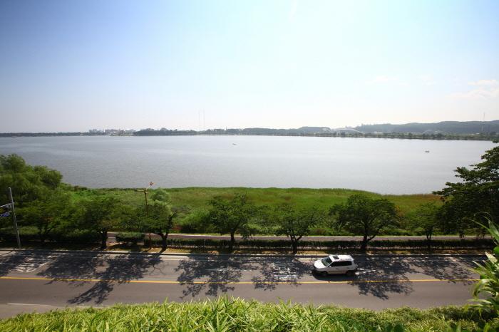 Озеро Кёнпхохо (경포호)2