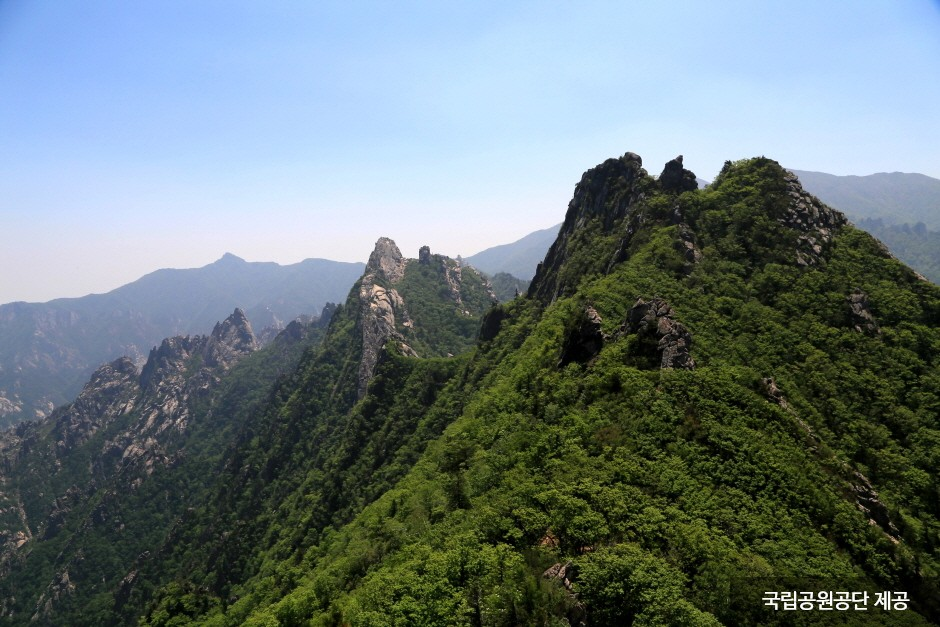 Seoraksan National Park (Inner Section) (설악산국립공원 (내설악))