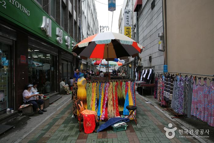Gwangbok-ro Arirang Street (광복로 아리랑 거리)
