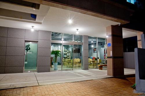 Hwarang Guesthouse - Goodstay (화랑 게스트하우스 [우수숙박시설 굿스테이])