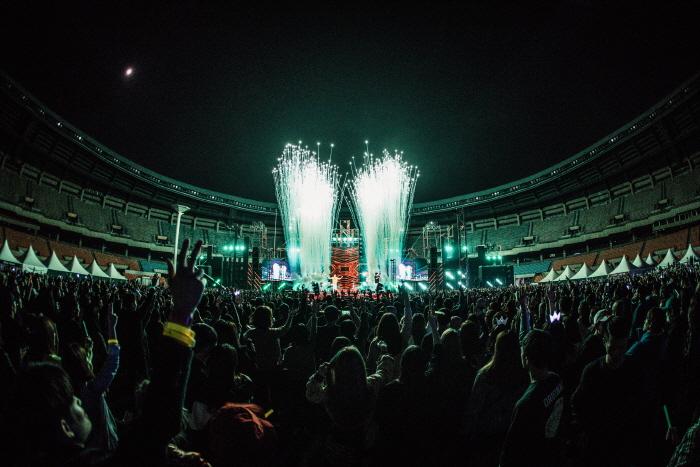할로윈 레드문: 서울패션페스티벌 2018