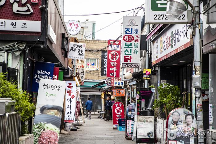 ソウル東大門タッカンマリ通り(서울 동대문 닭한마리 골목)