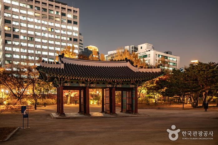 Дворец Токсугун (덕수궁)11