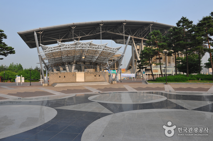 Estadio de la Copa Mundial de Suwon (수원월드컵경기장)3