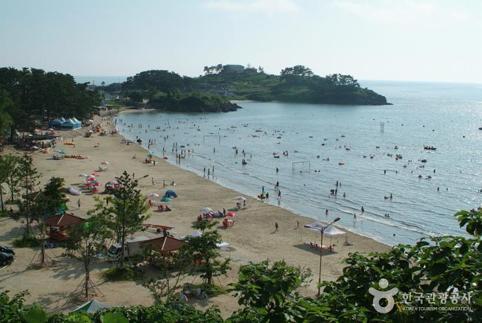 Пляж Камами (가마미해수욕장)