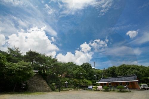 Templo Baeknyeonsa en Gapyeong (백련사(가평))