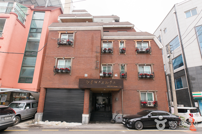 Jungang Branch of the Gangneung Guest House [Korea Quality] / 강릉 게스트하우스 중앙점 [한국관광 품질인증]