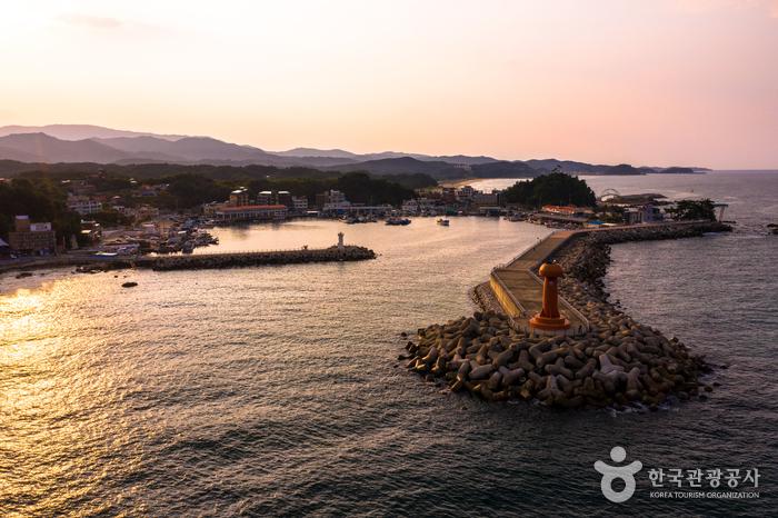 Namaehang Port (남애항)