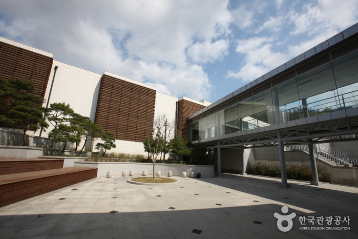 Daegu Bangjja Brassware Museum (대구 방짜유기박물관)