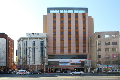 Hotel Savoy (호텔 사보이)