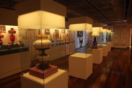 Lighting Museum (필룩스 조명박물관)