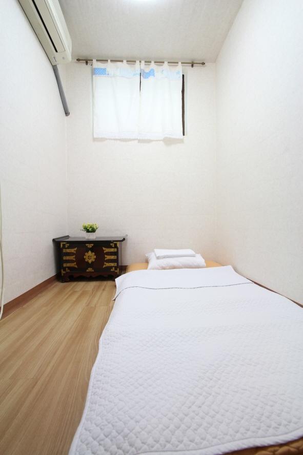 ICOS Guesthouse (아이코스 게스트하우스)