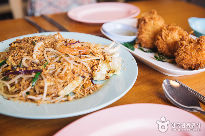 Ресторан тайской кухни Mum Aroy (뭄알로이)4