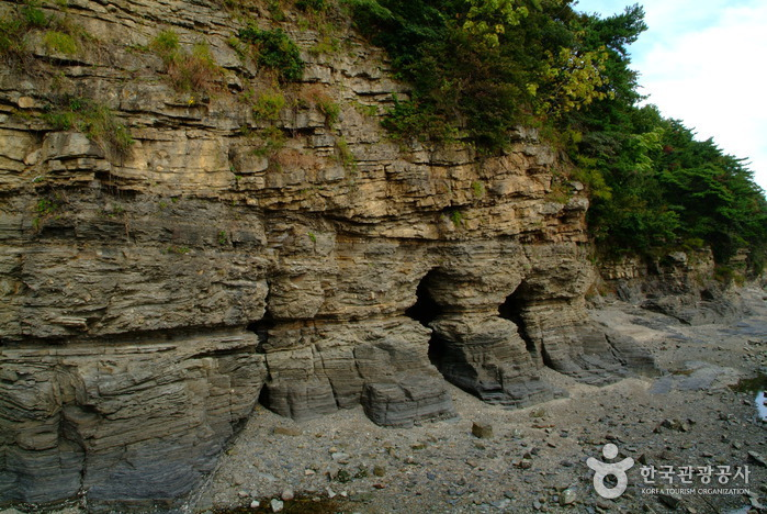 Chaeseokgang Cliffs ( )