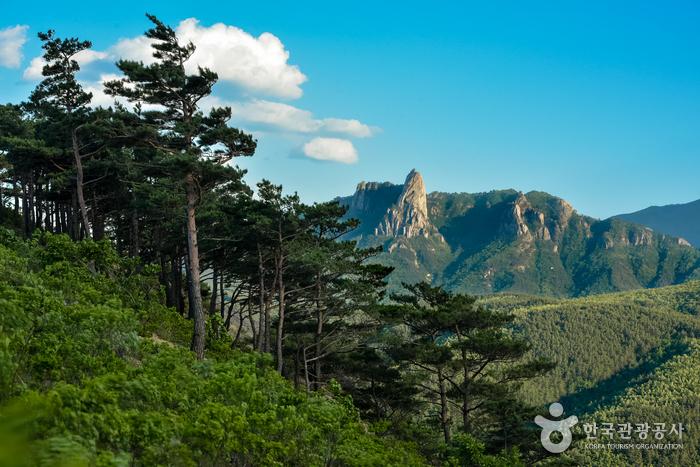 Скала Ульсанпави (설악산 울산바위)