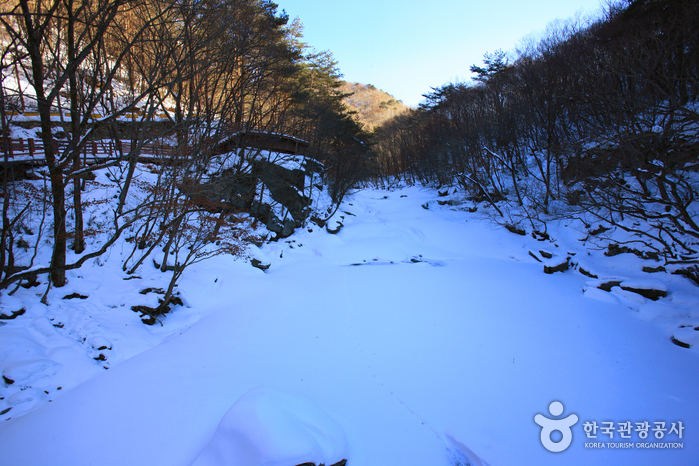 Gucheondonggyegok Valley (구천동 계곡)