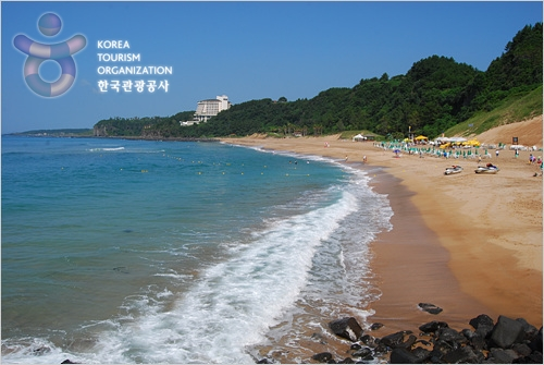 Jungmun Saekdal Beach (중문·색달 해변)