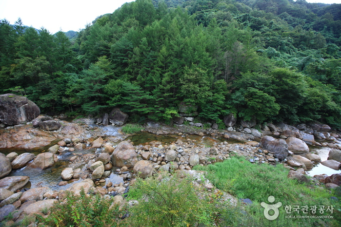Ten Scenic Views of Jirisan (지리산 10경)