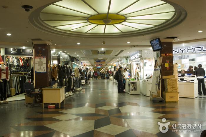 Unterirdisches Einkauftszentrum Jungang in Jeju (제주 중앙지하상가)