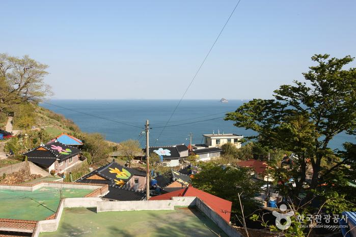 Деревня Качхон маыль (Намхэ) (남해 가천마을)
