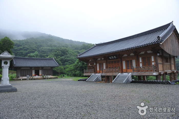 Yongcheonsa Temple (Hampyeong) (용천사(함평))