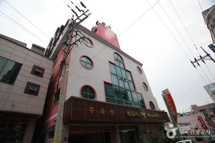 밀라노모텔 [우수숙박시설 굿스테이]