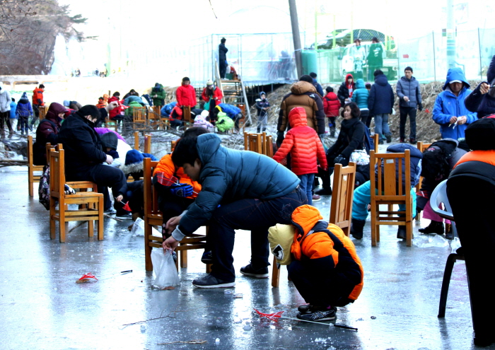 Chilgapsan Ice Fountain Festival (칠갑산얼음분수축제)