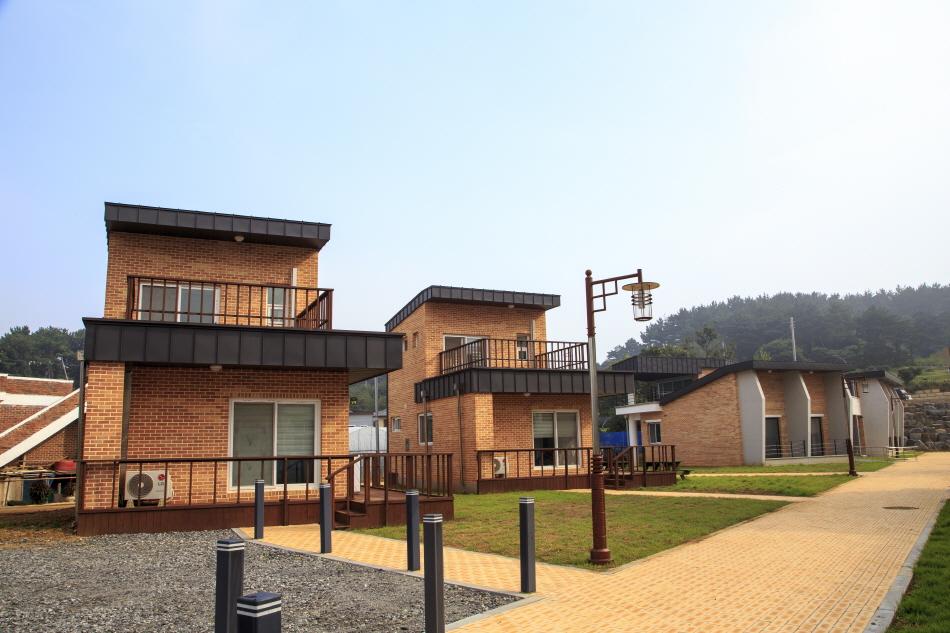 폐교를 활용해 숙소로 꾸민 친환경쌀문화센터