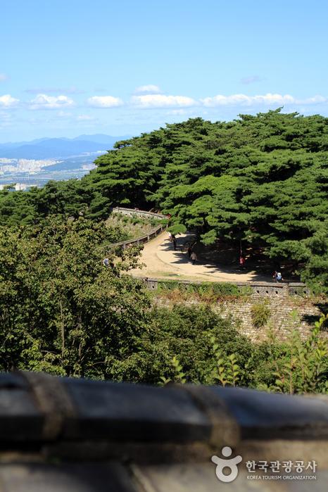 남한산성 성곽 길
