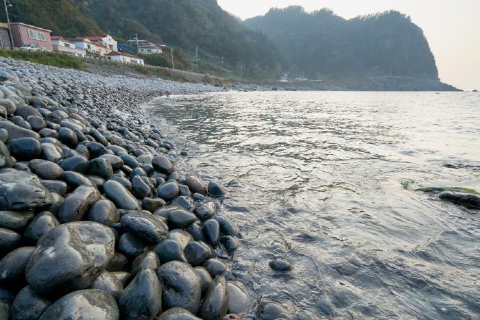 Strand Jungam Mongdol (죽암몽돌해수욕장)