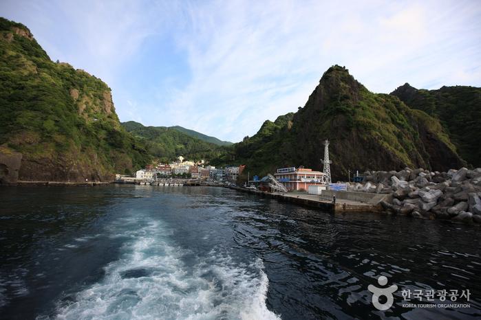 Dodonghang Port (도동항)