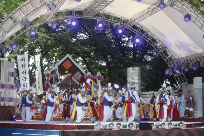 Jeonju Daesaseup Festival (전주대사습놀이전국대회)