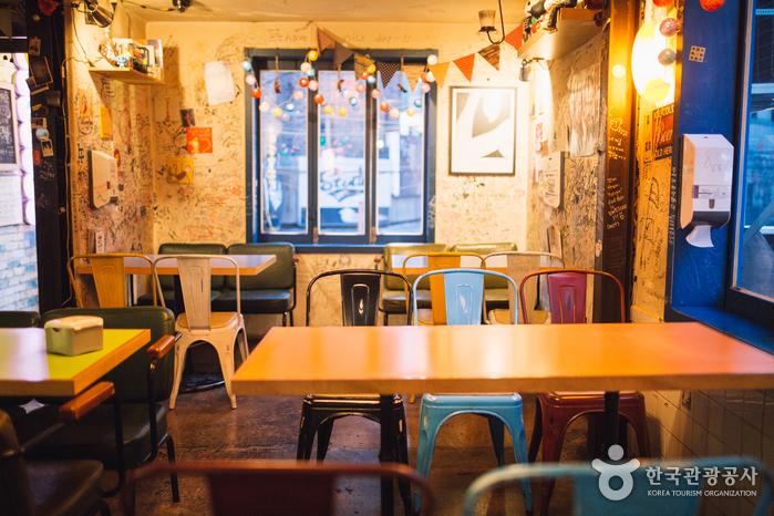 Ресторан Оксан Тальпит (옥상달빛)