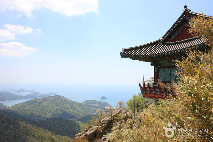 Ermita Boriam de la montaña Geumsan (금산 보리암)