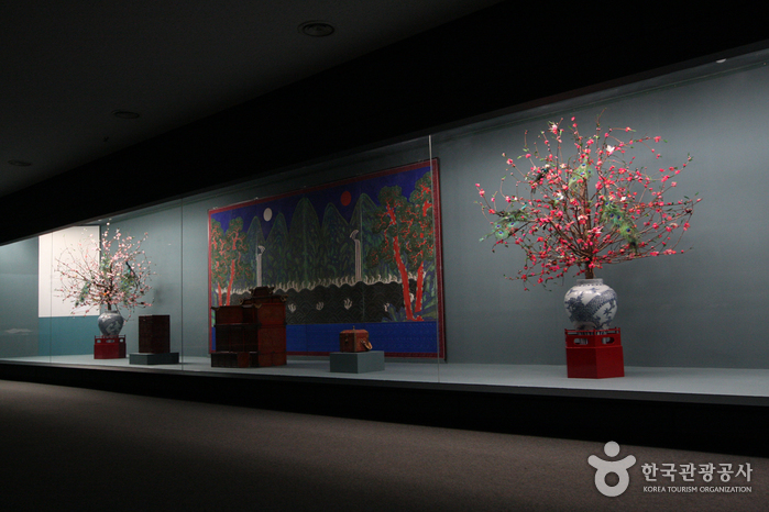 National Palace Museum of Korea (국립고궁박물관)