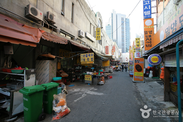 Seomyeon 1 Beonga (Seomyeon First Street) (서면1번가)