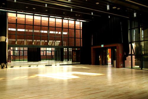 Художественный театр