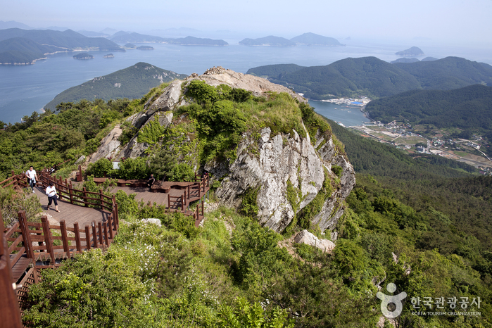 Mireukdo Island Special Tourist Zone (미륵도 관광특구)