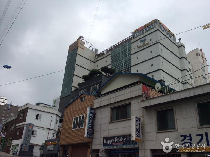 世界观光酒店(월드관광호텔)