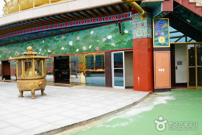 Буддийский храм Хонпопса в Пусане (홍법사 (부산))10