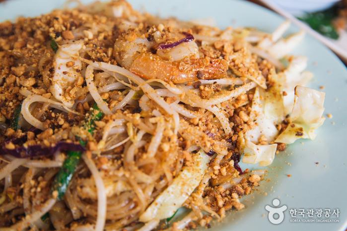 Ресторан тайской кухни Mum Aroy (뭄알로이)
