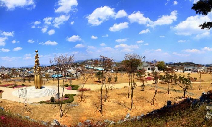 Aeyangwon Church - Reverend Son Yangwon Martyr Memorial Hall) (애양원 - 손양원목사 순교기념관)