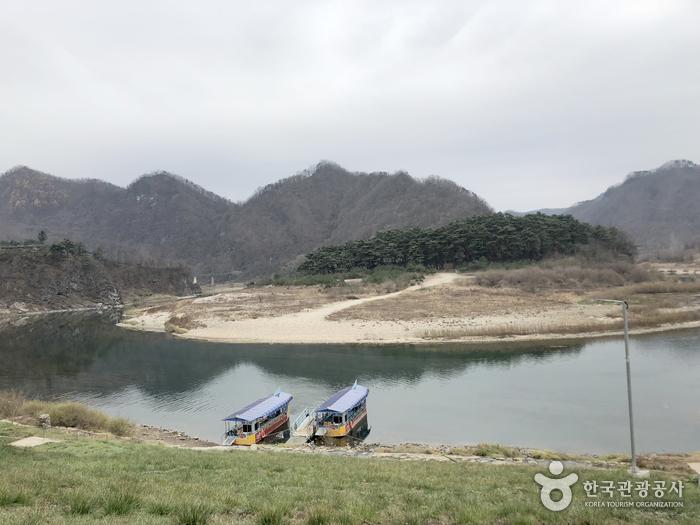 清泠浦(江原古生代国家地質公園)(청령포(강원고생대 국가지질공원))
